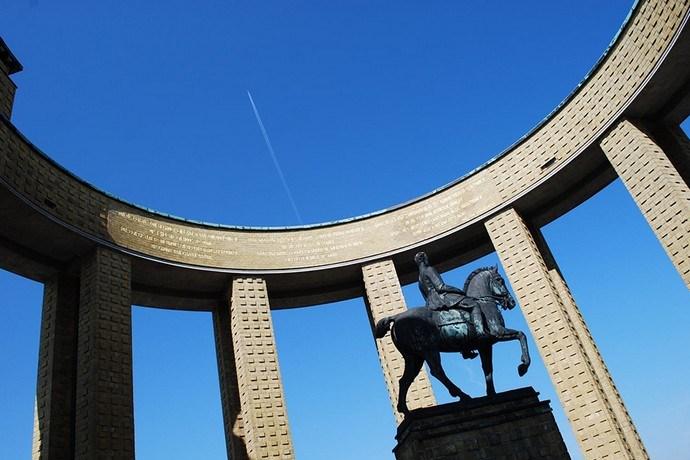 Albert I monument Nieuwpoort boog