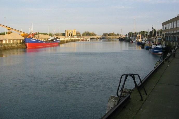 Vismijn Nieuwpoort aanlegsteiger